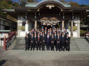 本牧神社の前で集合!これからの安全、成功を願って!