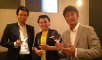 尾田大介さんと当社社員と一枚。